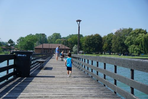 berniukas,berniukas,prieplauka,vanduo,vaikas,berniukas,upė,ežeras,atostogos,vasara