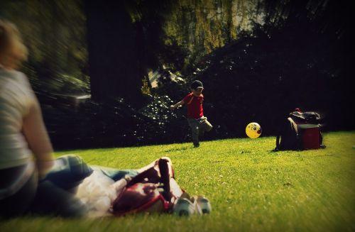 berniukas,vaikas,futbolas,laimingas,linksma,vaikas,jaunas,vaikystę,žaisti,berniukas,laimingas vaikas,laimingas vaikas,vasara,berniukas ir mergaitė,vaikai žaidžia,laimė