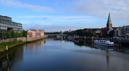Bremen,Weser,nužudyti,vanduo,upė