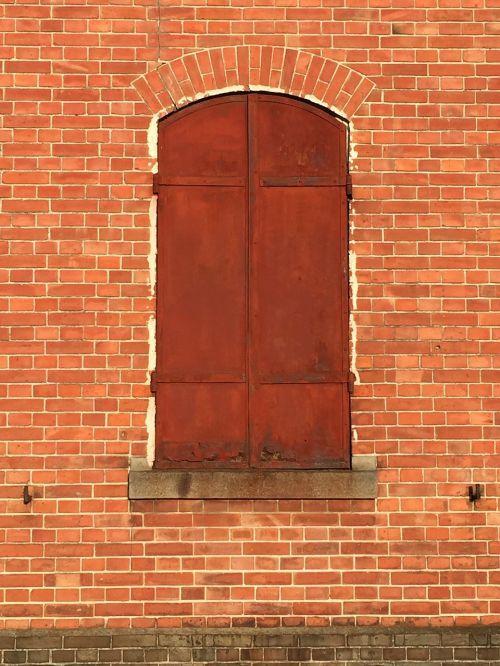 plyta,raudona plyta,sandėlis,Meiji eros,maebashi,Gunma,šilkas,geležies duris