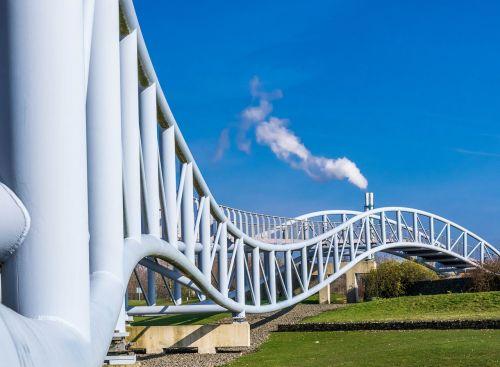tiltas,gyvatė,kreivės,pastatas,architektūra,plienas,sūpynės,kabantis tiltas,leverkusen,Neuland parkas