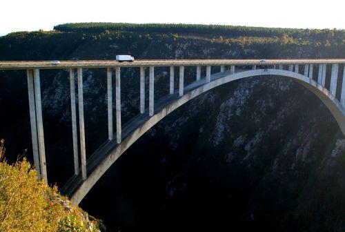 tiltas,aukštas,tiltų prieplaukos,architektūra,didelis tiltas,ramstis,bungee,kelias,turėklai,šventė,bloukrans bungee,pietų Afrika,afrika,tsitsikamma,vakarinis kalnas,sodo kelias,Nacionalinis parkas,automobilinis sunkvežimis,Rokas,Gorge,gamta,kanjonas,kietas