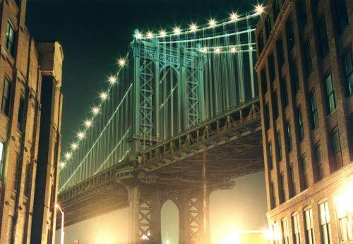 Bruklino tiltas,Grunge,tiltas,Manhatanas,naktis,atspindys,pastatas,žalias,atmosfera,žinomas,vaizdingas,apšvietimas,centro,amerikietis,orientyras,nyc,miesto panorama,architektūra,miesto,upė,usa,metropolis