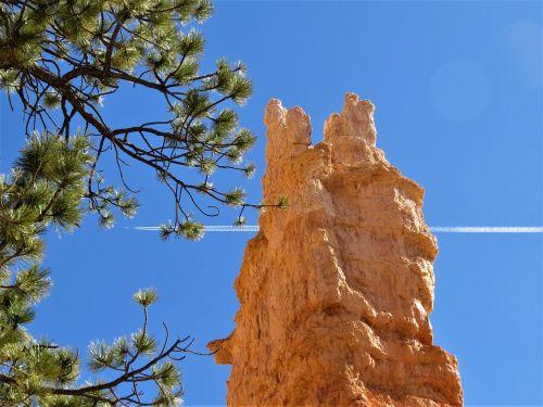 Bryce kanjonas,mėlynas dangus,žygiai,Utah