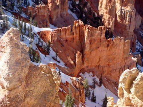 Bryce Canyon nacionalinis parkas,Nacionalinis parkas,Jungtinės Valstijos,kraštovaizdis,Bryce kanjonas,Utah,uolienos formacijos,smiltainio formacijos,gamta,erozija,geologinės formacijos,hoodoovorming,hoodoos,usa,kelionė,šventė