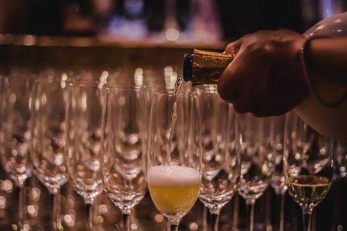 burbuliukai,putojantis,putojantis vynas,vynas,švesti
