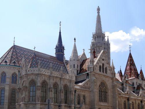 budapest,pilis,kelionė,stogas,paminklas,turistų atrakcijos,Turistų kelionės tikslas,vengrija,atostogos,rūmai,dangus