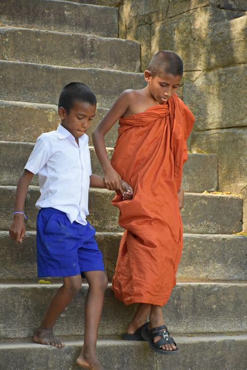 budistinis,vienuolis,vaikas,laiptas,Draugystė,meilė