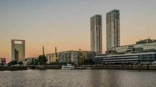 Buenos Airės,puerto madero,pastatai,argentina,mėlynas