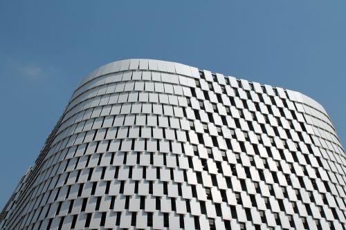 pastatas,architektūra,moderni architektūra,mėlynas dangus,šiuolaikiška