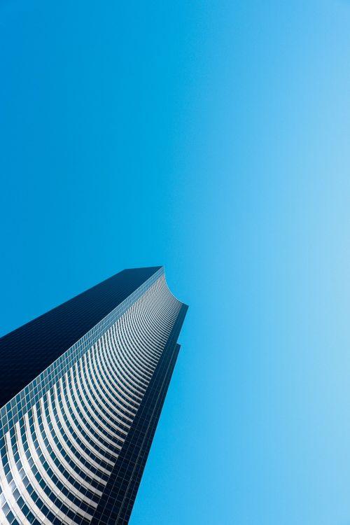 pastatas,dangoraižis,miestas,architektūra,verslo pastatas,biuras,modernus pastatas,biurų pastatas,šiuolaikiška,miesto panorama,eksterjeras,centro,bokštas,mėlynas,dangus,Seattle,Vašingtonas