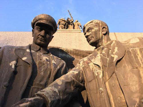 Bulgarija,sofia,paminklas sovietinei armijai,paminklas,armija,sovietų armija,skulptūra