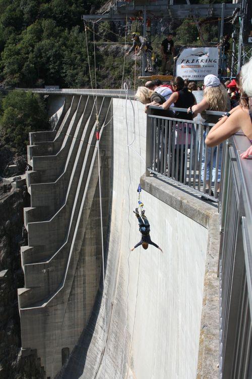Šokinėjimas Guma, Užtvankos, Verzasca, Ticino, Šveicarija