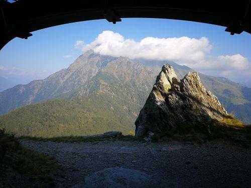 Bunkeris, Monte Legnone, Debesys