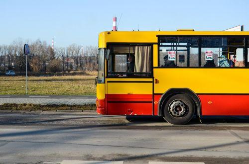 autobusas,komunikacija,miesto,geltona