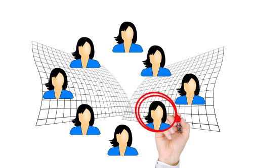 verslininkė,moteris,pasirinkimas,pareiškėjai,prašymas,pateikti paraišką internete,darbo paieška,darbas,ranka,ženklas,karjera,gyvenimo aprašymas,darbo skelbimas,darbo vieta,biuras,ieško darbo,žymeklis,žymeklį
