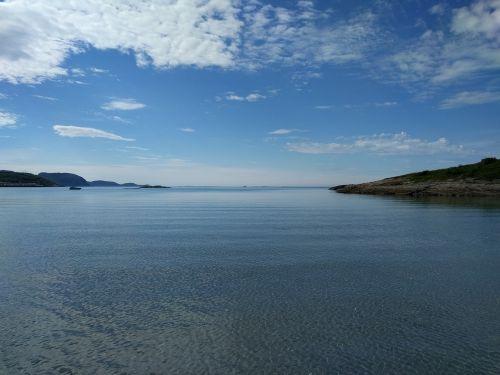prie jūros,mėlynas dangus,vasara,vanduo,atostogos,mėlynos dangaus debesys,jūros dugnas,kranto,taikus,atsipalaiduoti