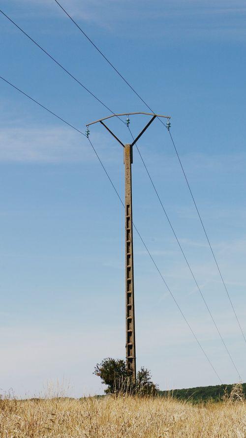 kabelis,elektra,kabeliai,elektrinis,jėgos linija,dangus,pilonas,tinklas,viela,ryšys,mėlynas,pranešimas,elektros kabeliai