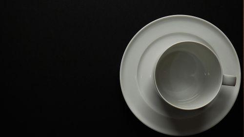 kofeinas,mėgautis,naudos iš,indai,gerti,kava,kavos paslaugos,kavos šaukštas,kavos puodelis,šaukštas,pertrauka,porcelianas,raudona,juoda,juoda kava,taurė