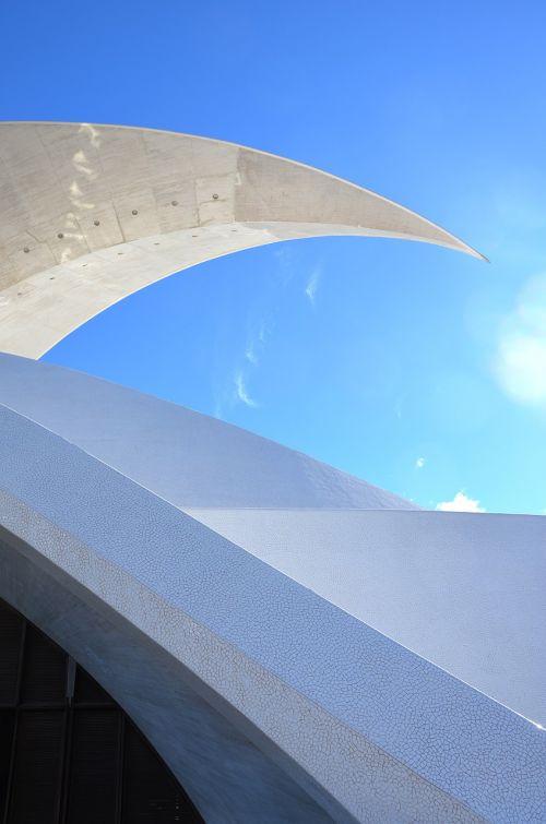 kalatrava,auditorius Tenerifė,Tenerifė,architektūra,avangardo,stogo viršus,pjautuvo forma