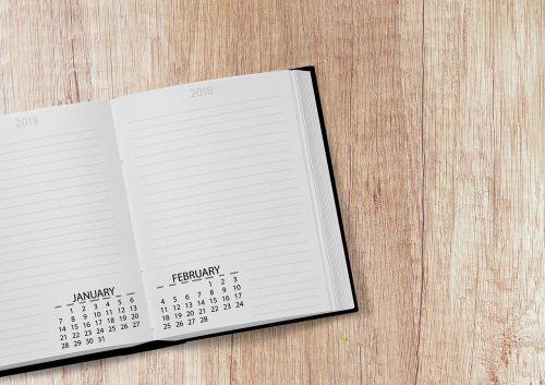 kalendorius,knyga,2018,data,metai,diena,savaitę,savaitės dienos,stalas,darbotvarkė,stalas,Pastabos,nešiojamojo kompiuterio,Atverskite knygą,sausis,vasaris,puslapiai,popierius,juoda,ruda,biuras,darbas,darbas,mokykla,informacija,verslas,daryti,išsaugoti datą,užduotys,įveskite,palikti,datas,tvarkaraštis,planą,Naujųjų metų diena,pavedimai,konferencija,derybos,švietimas,atviras,studijuoti,tvirtovė,simbolika,dekoratyvinis,skaityti,universitetas,šablonas,žinoti