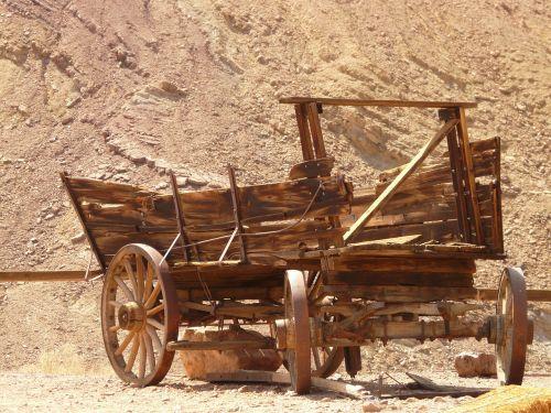 kalico,kalico vaiduoklis,vaiduoklių miestas,mojave dykuma,Kalifornija,usa,sidabro kasyba,išdrįsti,krepšelis,ratas,kalbėjo