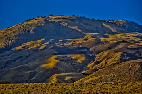 auksinė & nbsp, šviesa, kalnai, kalvos, dykuma & nbsp, grindys, minkštas, riedėjimo & nbsp, kalvos, šešėliai, mėlynas & nbsp, dangus, tapetai, kraštovaizdis, kalifornijos dykumos kalvos