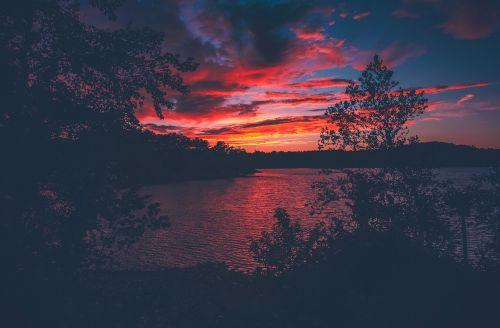 ramus,jūra,vandenynas,vanduo,gamta,medžiai,augalas,kalnas,kraštovaizdis,saulėlydis,vaizdas,tamsi,dangus