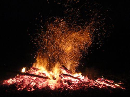 laužavietė,Ugnis,Velykų ugnis,mediena,liepsna,deginti,blaze,heiss,austria,karštas,šiluma,židinys,medžio ugnis,deginimas