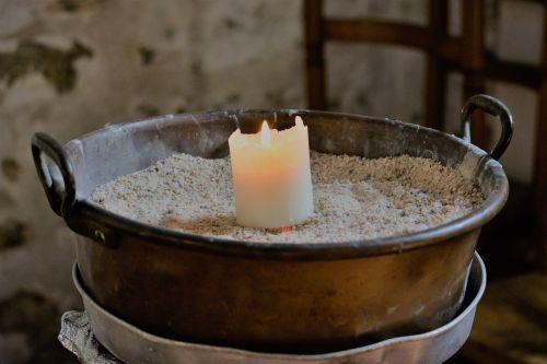 žvakė,bažnyčia,senoji bažnyčia,maldos,liepsna,šviesa,vaškas,religija,dvasinė šviesa