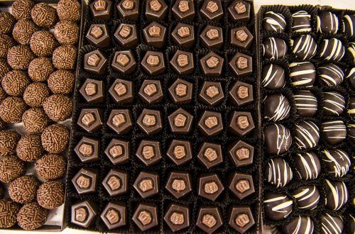 saldainiai, saldainiai, rodyti, atvejis, šokoladas, triufelis, viešasis & nbsp, domenas, tapetai, fonas, skanus, gydyti, skanus, saldus, laikyti, amatininkas, mažmenininkas, gurmanams, prekybininkas, kakava, cukrus, saldainiai, desertas, dovanos, saldainiai, saldainiai