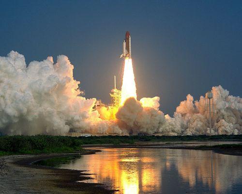 Viršūnė, Canaveral, Florida, Paleidimo Aikštelė, Lauke, Raketa, Ugnies Uodega, Pakilimas, Liepsnos, Dūmai, Pakilimas, Galia, Trauka, Dangus, Debesys, 1989, Vanduo, Apmąstymai