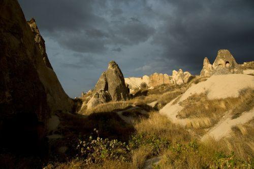 cappadocia,Gorema,Turkija,tufa,uolienos formacijos,kraštovaizdis,erozija,Rokas,fėjų dūmtraukiai,tufos formacijos,gamta,slėnis,fėjų bokštai,akmeniniai bokštai,tuftų uolienų susidarymas,kelionė,Göreme atviru dangumi muziejus