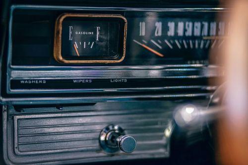 automobilis,prietaisų skydelis,elektronika,spidometras,kuro matuoklis,kelionė,gabenimas