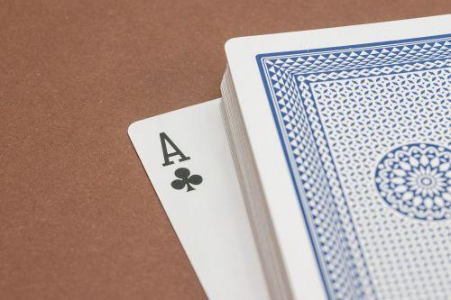 kortelės,kortų žaidimas,Žaidžiu kortomis,pokeris,žaisti,rummy card,žiūrėti,kirsti,ace,trumpas,azartiniai lošimai,žaidimų priklausomybė,kazino,žaidimų bankas,pelnas,laimėti