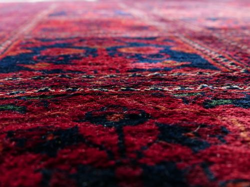 kilimas,raudona,susiejimas,šilkas,vilnos,kilimų audimo centras,pinti amatų,sriegis,žaliavinis šilkas,verpalai,spalvos,spalva,spalvinga,svetainės kiliminė danga,šviesa,menas,modelis,išėjęs į pensiją