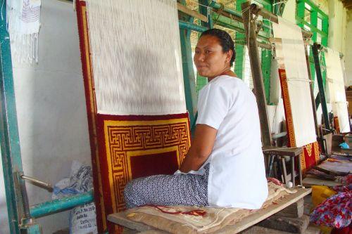 kilimų audimas,tibetietis,Lady,mundgod,mini tibetas,Tibeto gyvenvietė,Karnataka,Indija