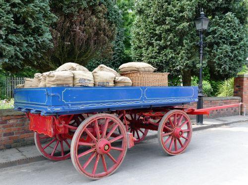 krepšelis, medinis, ratas, senas, ūkis, mediena, vintage, vagonas, transportas, kaimiškas, kaimas, tradicinis, įranga, transporto priemonė, retro, kaimas, vežimas, istorinis, kaimas, senovės, gabenimas, Senovinis