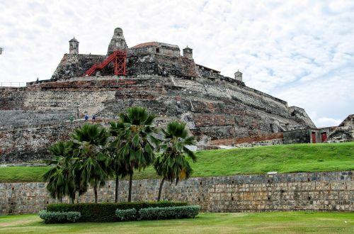 kartagena,Kolumbija,Castillo de San Felipe,palmės,siena,karibai,pilis,gynyba,gynybos sistema,apsauga