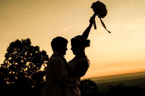 atsitiktinai,santuoka,nuotaka,grooms,ranka rankon