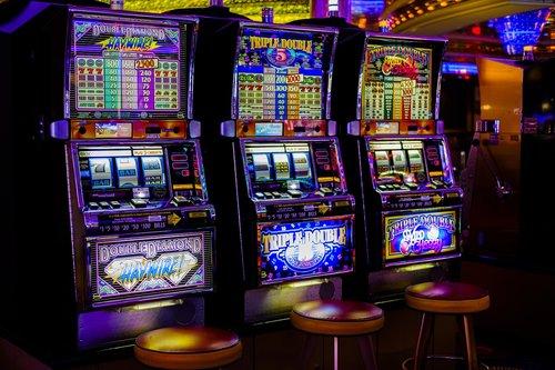 Kazino, Arcade, lošimo automatai, mašinos, azartinių lošimų, rizika, Jackpot, pinigai, apyvarta, tikimybė