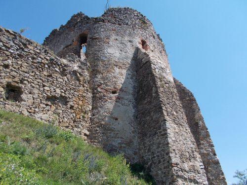 pilis,kelionė,slovakija,Šalis,medis,griuvėsiai,turizmas,bokštas,kelias,debesys,mėlynas dangus,kiemas,istorija