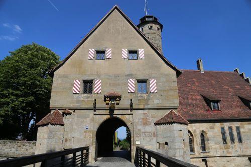 pilies vartai,pilies įėjimas,tiltas,Moat,Viduramžiai,tvirtovė,pilis