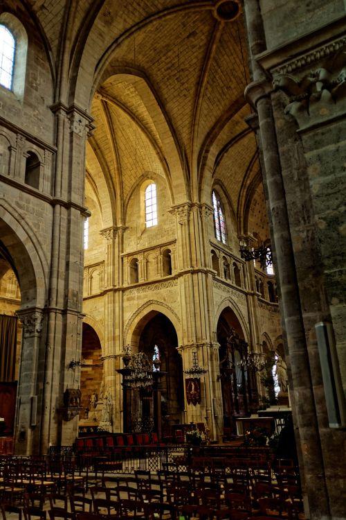 katedra,viduje,langres,france,gotika,senas,architektūra,pastatas,garbinimo namai,istoriškai,religija,katalikų,Romos katalikų,kirsti,lankytinos vietos,niūrus,interjeras,krikščionis,tuščia
