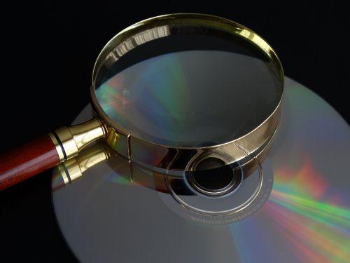 cd,padidinamasis stiklas,duomenų paieška,Paieška,rasti