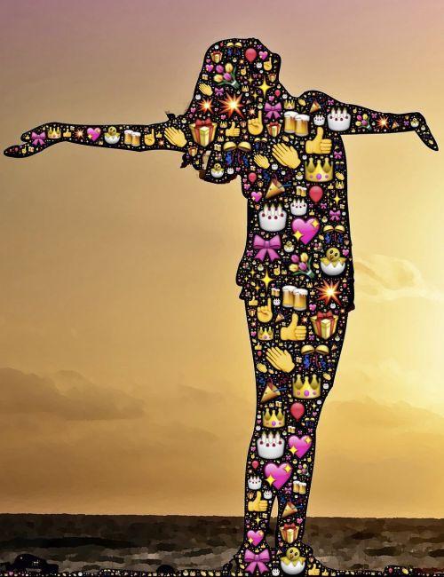 švesti,vakarėlis,džiaugsmas,linksma,laimingas,šventė,šventinis,spalvinga,emoji,moteris,apšvietimas,gimtadienis,mėgautis,šokis,šviesa,saulėtas fonas,mėgautis,asmuo,Moteris