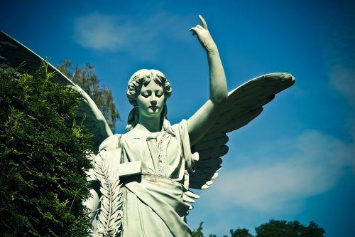 kapinės,kapas,kapinės,figūra,angelas,kapo figūra,angelo figūra,skulptūra,statula,akmuo,akmens figūra,gedulas,viltis,tikėk,poilsis,angelo veidas,trumpalaikis laikotarpis,paskutinė ramybė