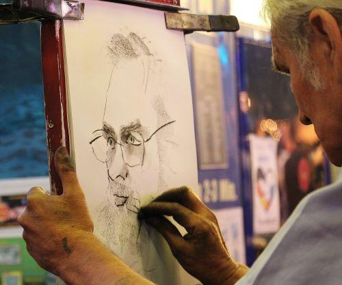 medžio anglių piešimas,medžio anglių pieštukas,portretas,profilis,vyras,veidas,galva,žmogus,iš šono,asmuo,Patinas,menas,vakaras,šviesus,šurmulio ir šurmulio,anglies projektavimas,akmens pieštukų piešimas,medžio anglių pieštukų pieštukininkas,piešimas,menininkas,dažyti,atkreipti