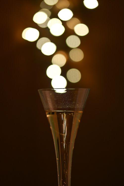 sveikinimai,šventinė diena,šampanas,Bokeh,prost,gerti,abut,apšvietimas,šampano akiniai,alkoholis,makro,alkoholinis,pusiau putojantis vynas,putojantis vynas,švesti,nuotaika,skystas,šampano stiklas,namuose,šviesa,anglies rūgštis,pūslelinė,lichterkette