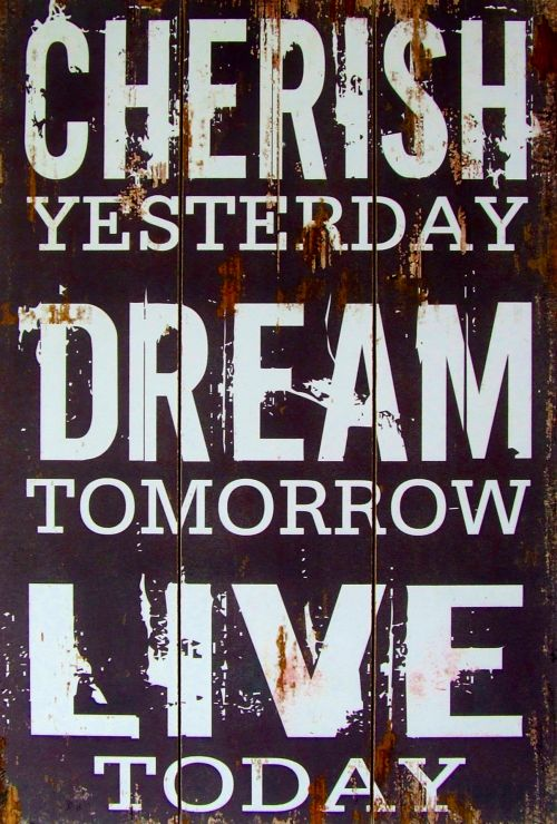 puoselėti, vakar, svajonė, rytoj, gyventi, šiandien, senas, meilė, ilgesys, šventė, šventė, branginama, dienos, datas, malonumas, atmintis, nostalgija, nostalgiškas, praeitis, prisiminti, prisimindamas, Prisiminti, priminimas, reminiscija, prisiminimai, reminiscija, dizainas, puoselėti, svajonė, gyventi